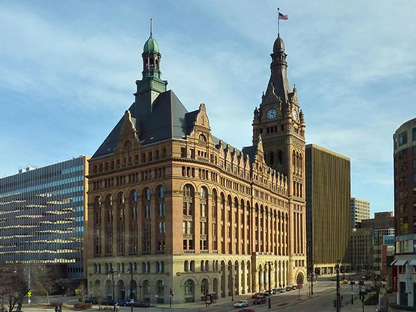 Milwaukee City Hall